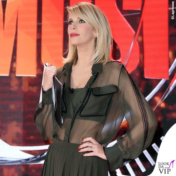 Alessia-Marcuzzi-sesta-puntata-Isola-dei-Famosi-total-Versace-2