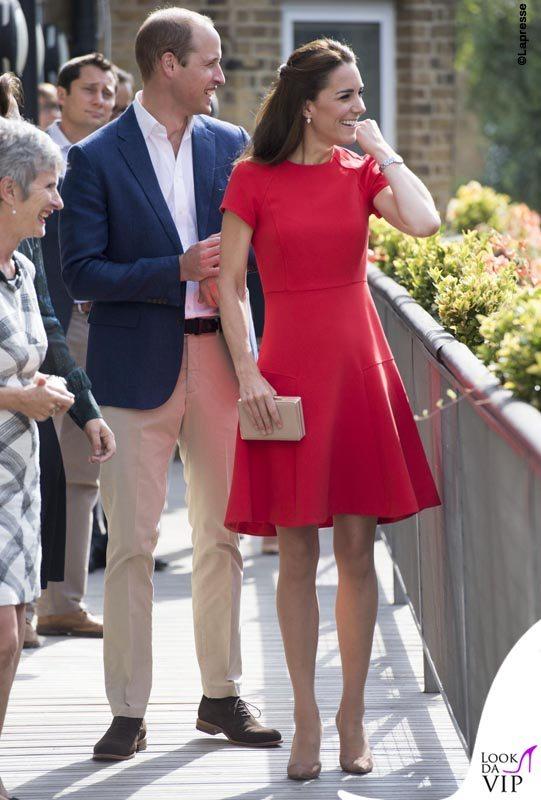 """Londra, William e Kate """"assistenti sociali"""" per beneficienza"""