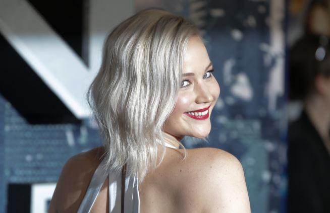Jennifer Lawrence, svolta salutista: stop all'alcol per disintossicarsi